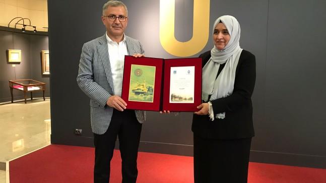 Üsküdar Belediyesi, Nakış Sanatçısı Sıdıka Gürkan'ın 'Gönül Dili' sergisine ev sahipliği yaptı