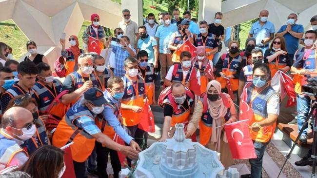 AFAD Gönüllüleri'nden, 15 Temmuz Şehitler Anıtı'na ziyaret