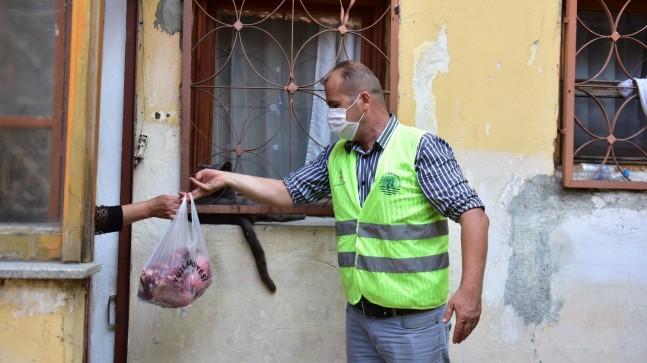 Tuzla'da ihtiyaç sahibi ailelere 5 ton kurban eti dağıtıldı