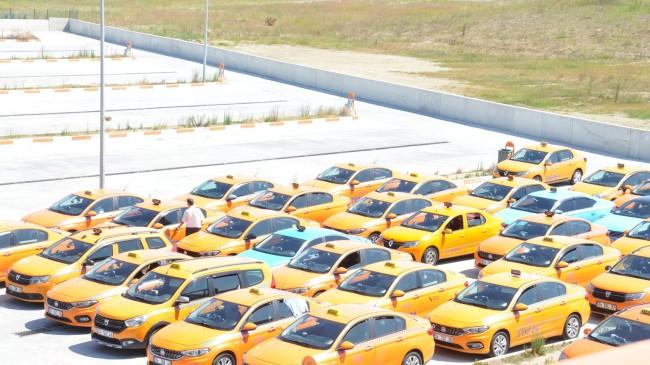 İBB ile İstanbul Havalimanı taksicileri arasında yaşanan kriz çözüldü