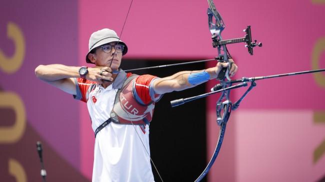 Milli okçumuz Mete Gazoz, Tokyo Olimpiyat Oyunları'nda finalde