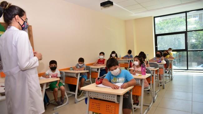 Tuzla Belediyesi Gençlik Gemisi'nde 40 branşta verilen kurslara yoğun ilgi