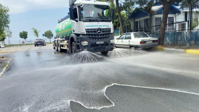 Sancaktepe Belediyesi, bayramda da temizlik mesaisini sürdürdü