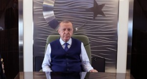 """Erdoğan, """"Suriyeli kardeşlerimizi bu katillerin kucağına atmayız"""""""