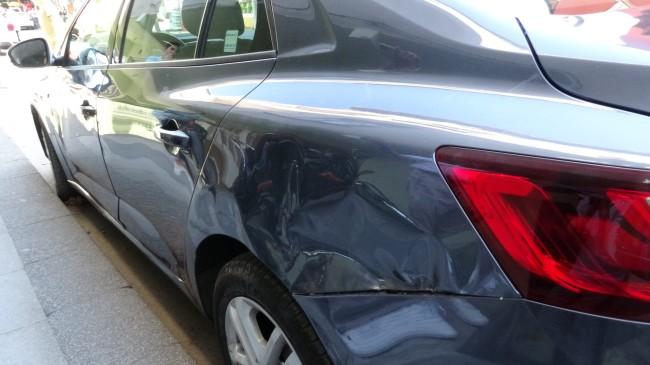 Çekmeköy'de alkollü sürücü on araca çarptı ve kaçtı
