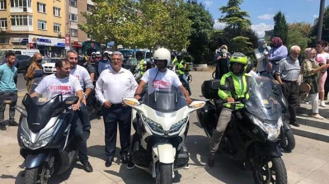 Kadıköy'de motosiklet sürücüleri için farkındalık etkinliği düzenlendi