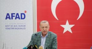 """Cumhurbaşkanı Erdoğan, """"Ormanlarımızı yakanları bulup ciğerlerini yakmak boynumuzun borcudur!"""""""
