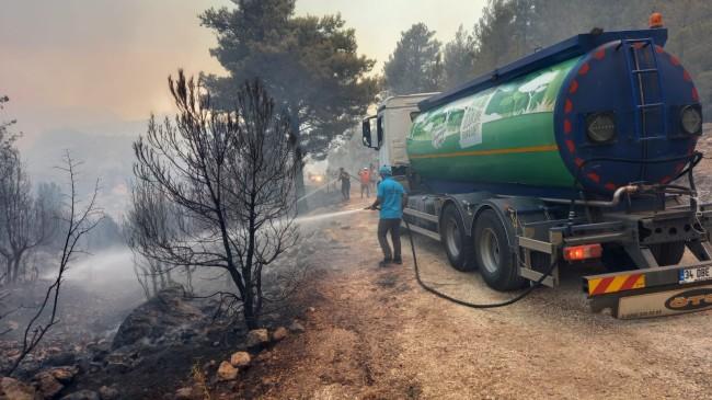 Sancaktepe Belediyesi, arazöz aracı ve ekibiyle Manavgat yangın bölgesinde