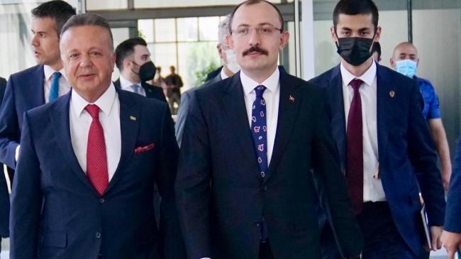 """Ticaret Bakanı Muş, """"Cumhuriyet tarihinin ihracat rekorunu kırdık"""""""