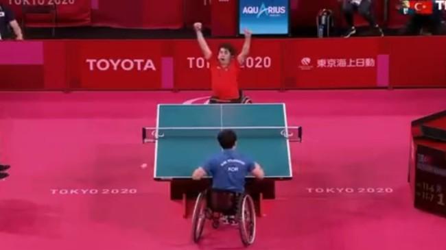 Abdullah Öztürk Tokyo Paralimpik Oyunları'nda altın madalya kazandı