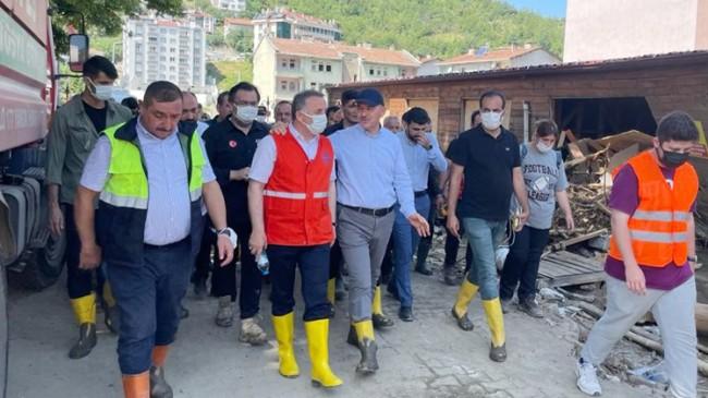 Bağcılar Belediye Başkanı Lokman Çağırıcı, sel mağduru Bozkurt'ta