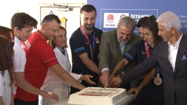 Başkan Kabaktepe, Olimpiyatlardaki milli sporcularla Boğaz Turu'nda buluştu