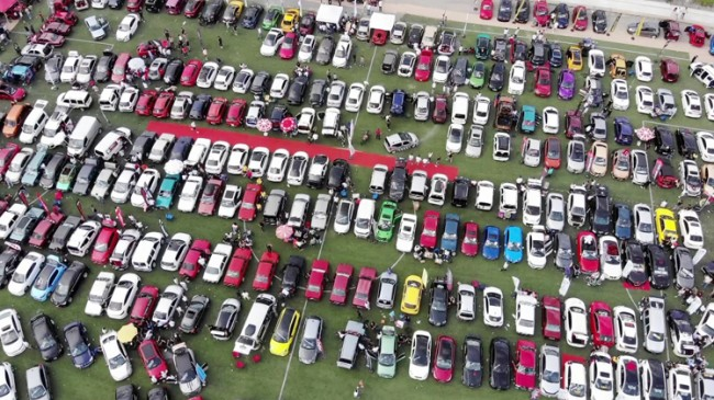 Çekmeköy Belediyesi'nin ev sahipliğinde 'Car Fest 2021'de yüzlerce modifiye araç bir araya geldi