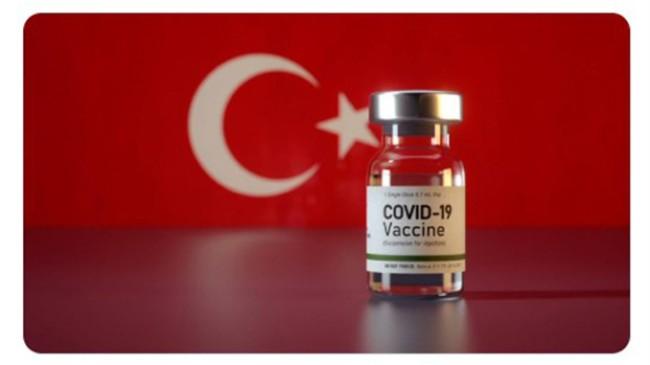 İstanbul, aşıda mavi renge yaklaştı