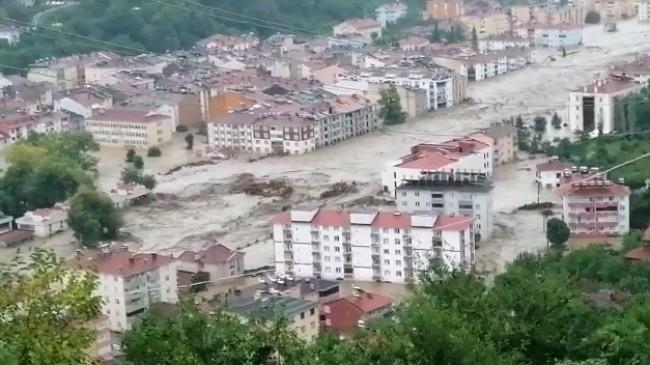 Kastamonu'da dereler taştı, bir çok ilçe ve köy sular altında kaldı