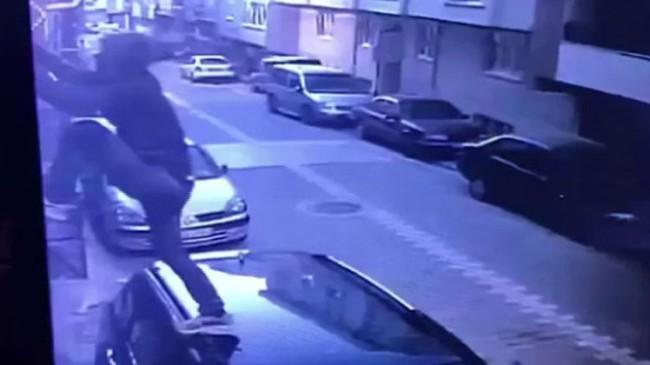 Olayların ilçesi Esenyurt'ta hırsız bir eve hırsız ikinci kez girmeye çalıştı