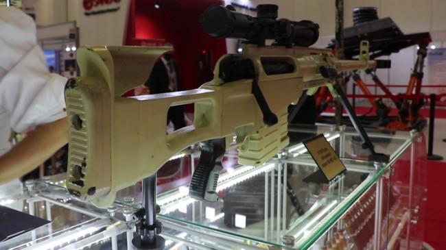 Karabağ Savaşı'nda kullanılan silahlar Savunma Sanayii Fuarı'nda sergileniyor