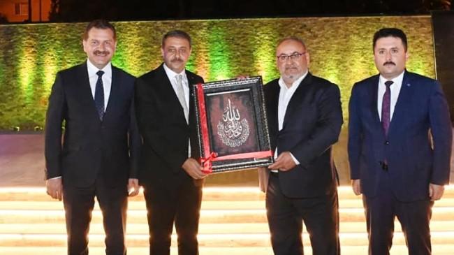 Ümraniye'de iz bırakan Hasan Can'ın adı Balıkesir'de bir kültür merkezine verildi