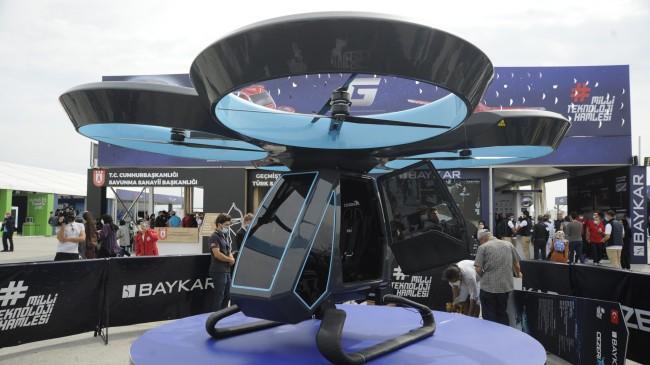 Türkiye'nin ilk uçan arabası Cezeri, TEKNOFEST'te yerini aldı
