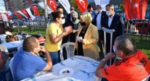 """Başkan Döğücü, Sancaktepe sakinleriyle """"5 çayı""""ında buluştu"""