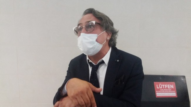 Barbaros Şansal 'Türkiye Cumhuriyeti'ni alenen aşağılama' suçundan yargılanıyor