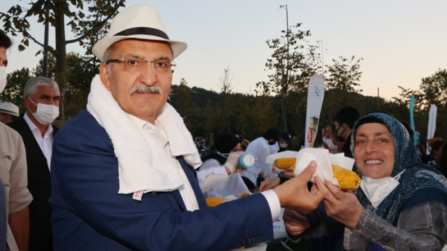 """Beykoz Belediyesi'nden tarihi Küçüksu Çayırı'nda """"Beykoz Mısır Festivali"""""""