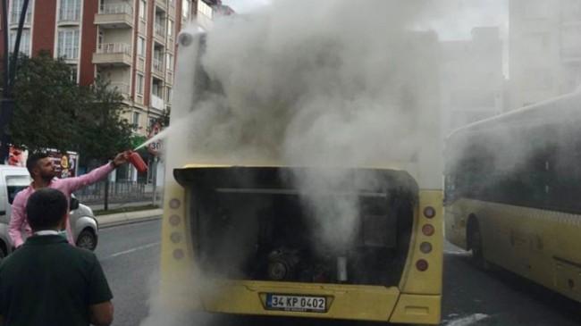 İstanbul cadde ve sokaklarında İETT otobüsleri yanmaya devam ediyor!