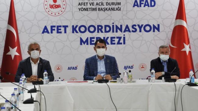 """Murat Kurum, """"Artık afetlerin altında kalmayan bir Türkiye var"""""""