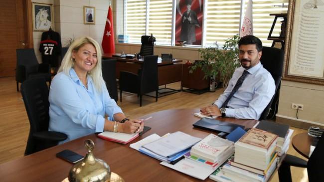 """Suna Anaç'tan gençlerin abisi """"Doktor Emre Topoğlu"""" ile keyifli sohbet…"""