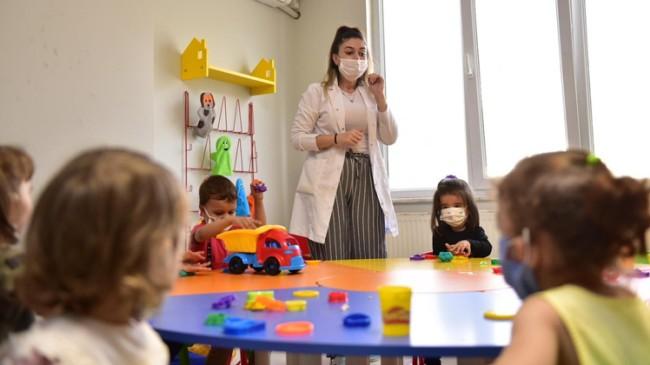 Tuzla Belediyesi Anne Çocuk Eğitim Merkezi'nde dersler başladı