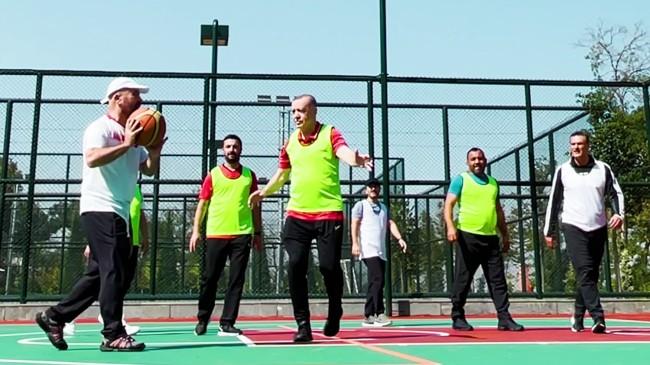 Cumhurbaşkanı Erdoğan, basketbol maçında da klasını gösterdi