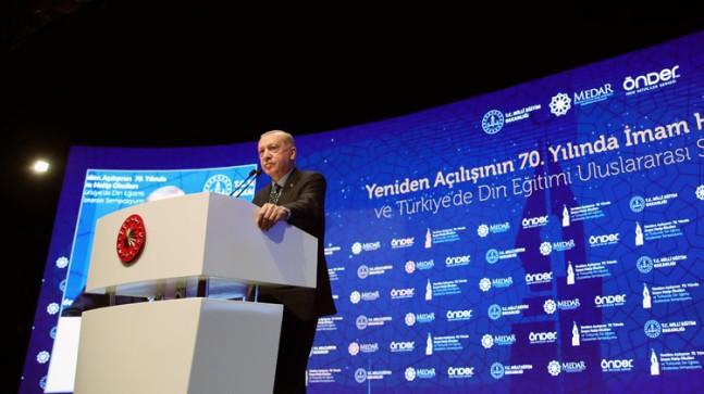 """Cumhurbaşkanı Erdoğan, """"CHP zihniyetinin imam hatip okullarında hangi derslerin okutulduğundan haberleri yok"""""""